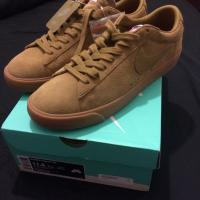 Supreme X Nike SB Blazer Low GT UK 10.5 Beige  | Image 1