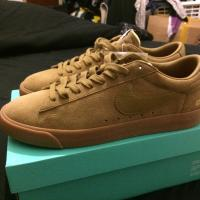Supreme X Nike SB Blazer Low GT UK 10.5 Beige  | Image 3