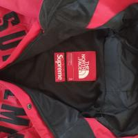 Supreme x The North Face Arc Logo Parka Red Small | Image 2