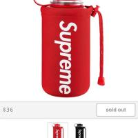 Supreme 32oz bottle Red | Image 2